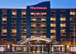 Hotel Accommodations Niagara Falls, NY